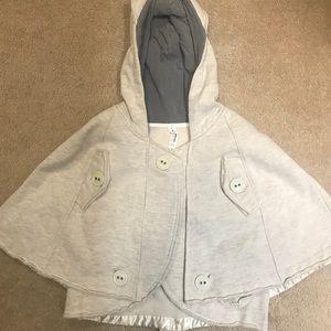 Lululemon Grey cape yoga size 6